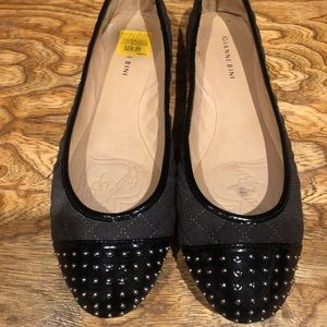 Giana Bini gray & black flats silver accents sz 10